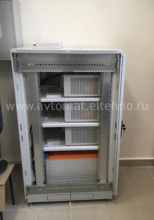 Шкаф управления бесперебойным питанием системы вентиляции и дымоудалениия  вид сбоку